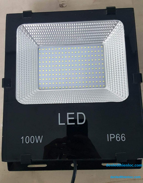 Đèn led Pha chống nước 100w