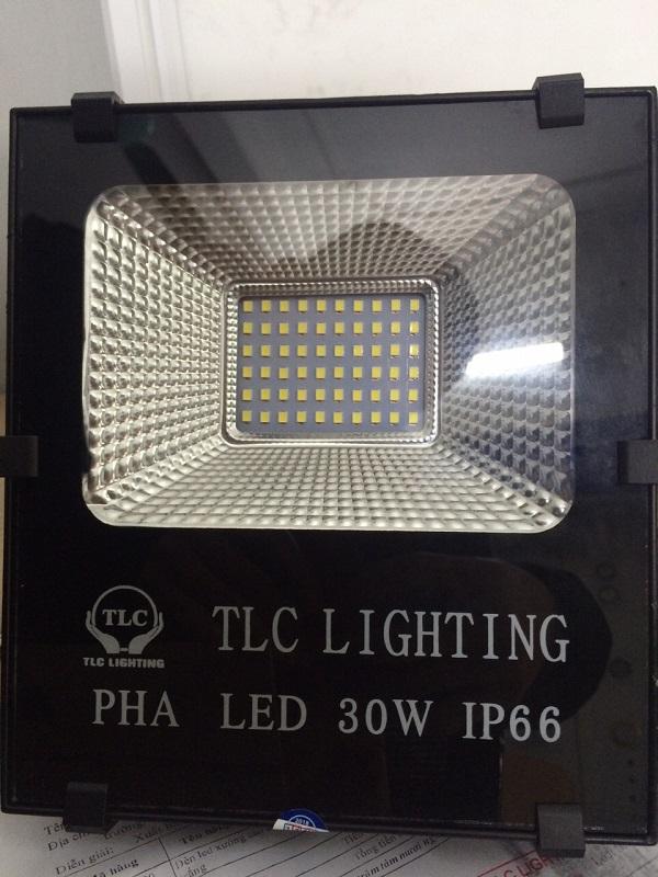 Đèn LED pha 30W, công nghệ không vít