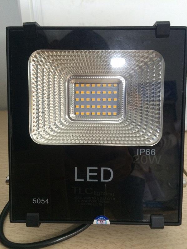 Đèn LED pha 20W, công nghệ không vít