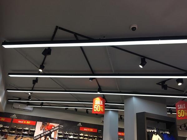 Đèn led hộp thả trần 2,4m