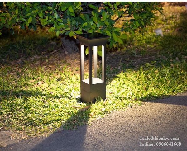Đèn trụ sân vườn năng lượng mặt trời giá rẻ TD69